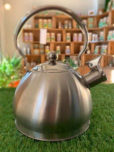 Whistling kettle, to quickly boil water, 2 liters