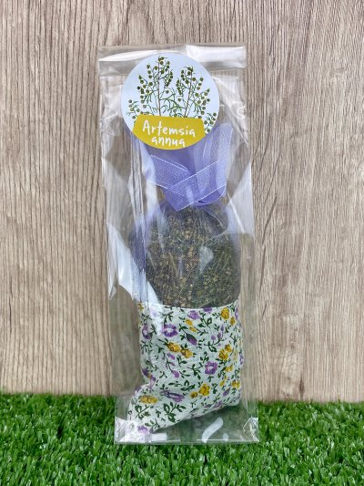 Bag of flowers and leaves of Artemisia annua, laundry and environment perfumer