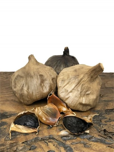Black Garlic from Voghiera (Italy), Fresh, Fermented, 50g